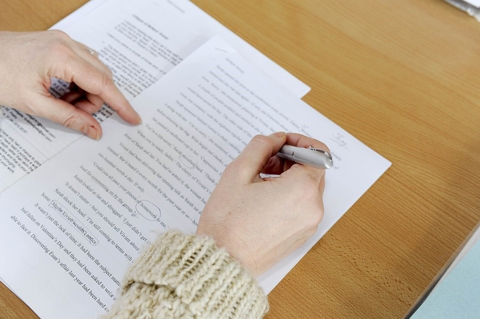 Checking grammar is an integral part of writing scholarship essays